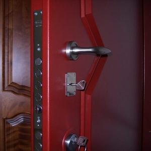Установка входных и межкомнатных дверей в Орше