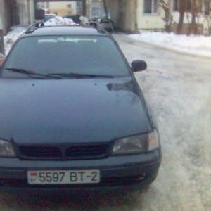 Продам автомобиль Тойота Карина
